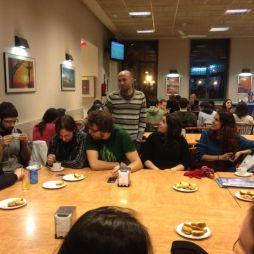 Conversando na cafetería da R.U. Fonseca.
