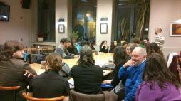 Todos na cafetería da Residencia Universitaria Fonseca.